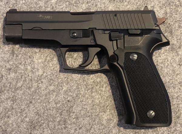 SIG Sauer P226, Kal. 9mm Luger